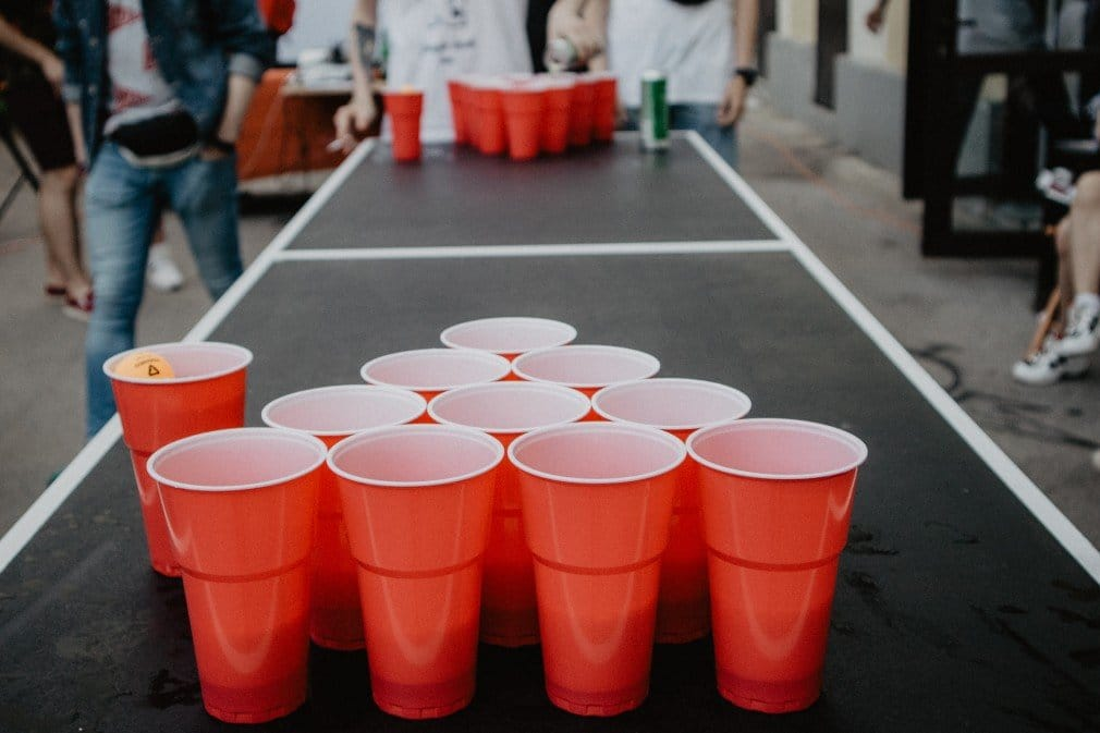 beer-pong-game_t20_kogeJx